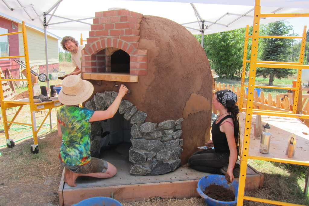 Combining Earthen and Masonry Techniques in Wood-Fired Oven Construction