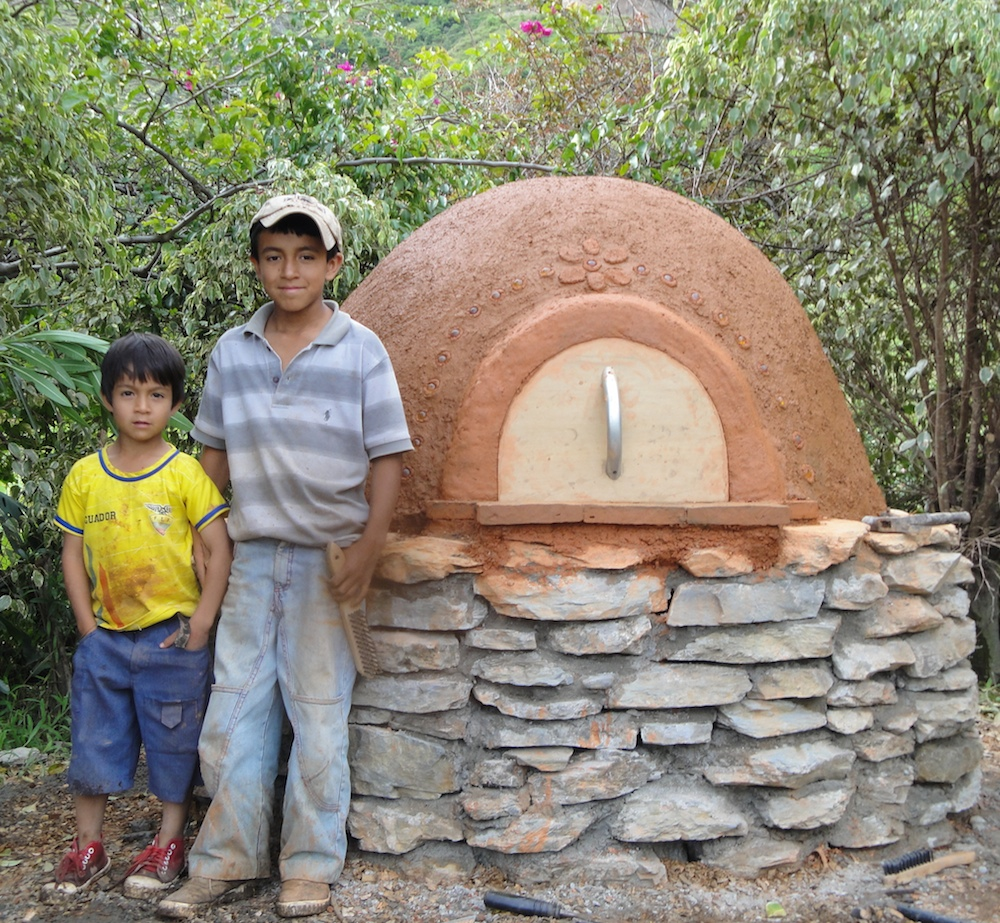 Earth Oven builders in Ecuador (Manuel (10), Juan Carlos (6))